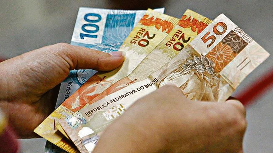 Governo antecipa pagamento da primeira parcela do 13º para outubro