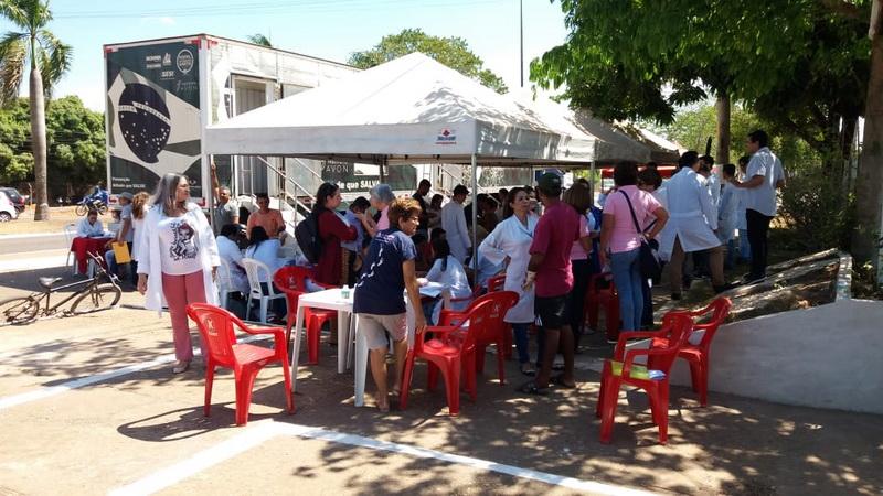 Carreta com consultórios e equipamentos foi postada perto da Secretaria de Saúde/ Fotos: Josseli Carvalho