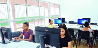 No curso de informática são ensinados: Informática Básica, produção de textos no Word e Excel e outros/Foto: Paulo Silva dos Santos