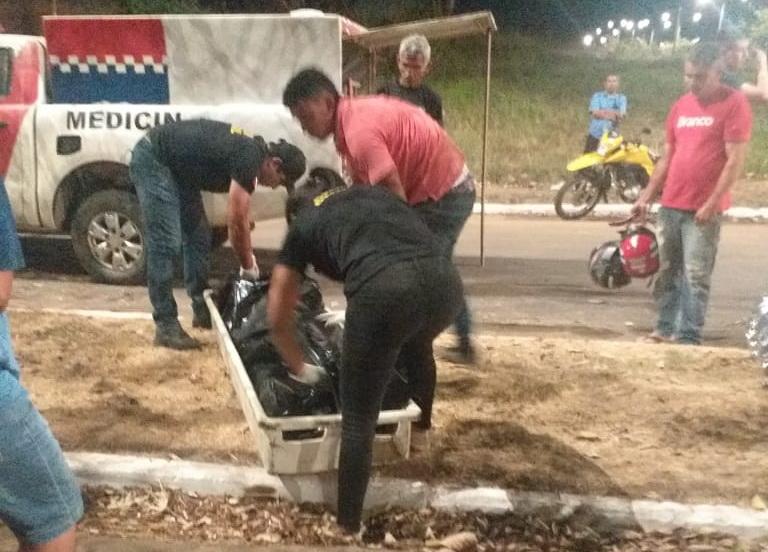 Weldel Costa morreu ao bater moto no meio-fio e depois colidir com pé de ipê