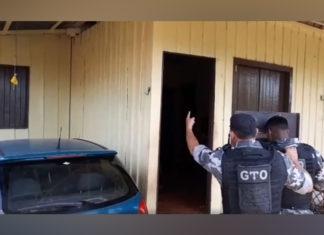 Negociação da Polícia com os assaltantes foi transmitida ao vivo.