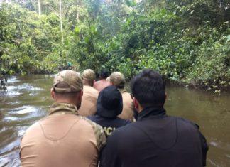 Policiais federais foram até a região, no dia 28 de julho, investigar a morte do líder indígena Waiãpi — Foto: PF/Divulgação