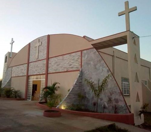 Ladrão arrombou a igreja e levou objetos e dinheiro / Foto: Paróquia Cristo Rei
