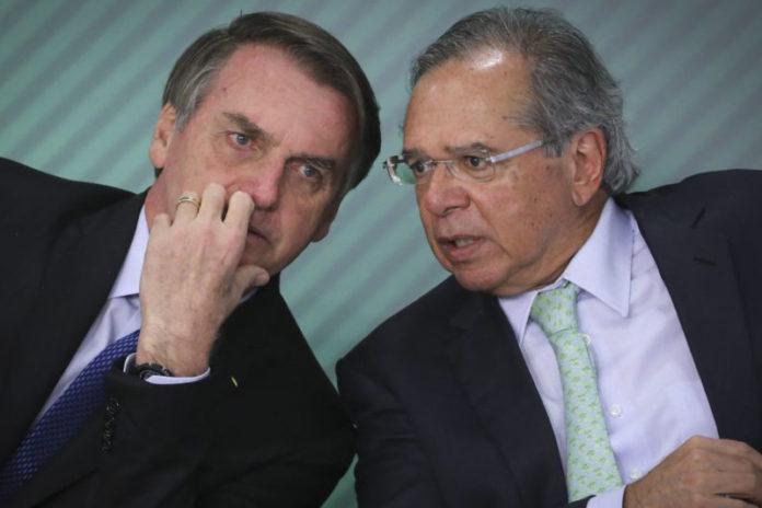 Governo planeja cobrar imposto de 0,4% para saques e depósitos em dinheiro