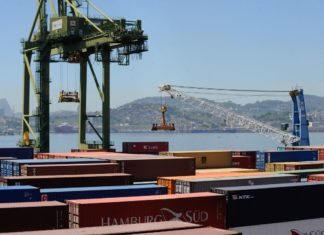 Brasil eleva em 9,5% comércio com EUA, mas diminui com outros países