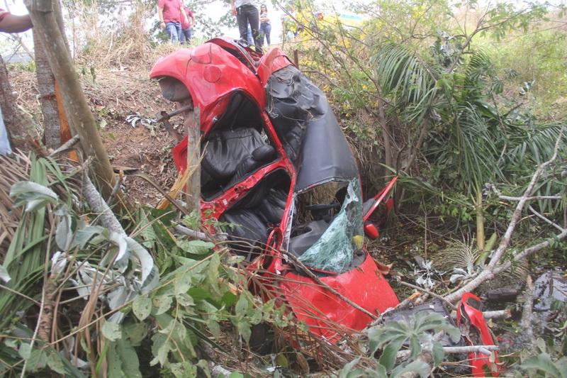 Motorista perde controle de carro e duas pessoas morrem na PA-150