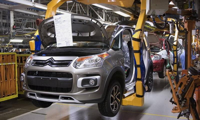 Guedes assina com Argentina acordo que prevê livre comércio de automóveis em dez anos