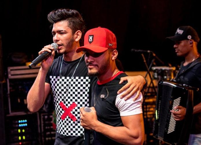 Assessoria de Caio Victor e Tinan divulga nota e mantém agenda de shows
