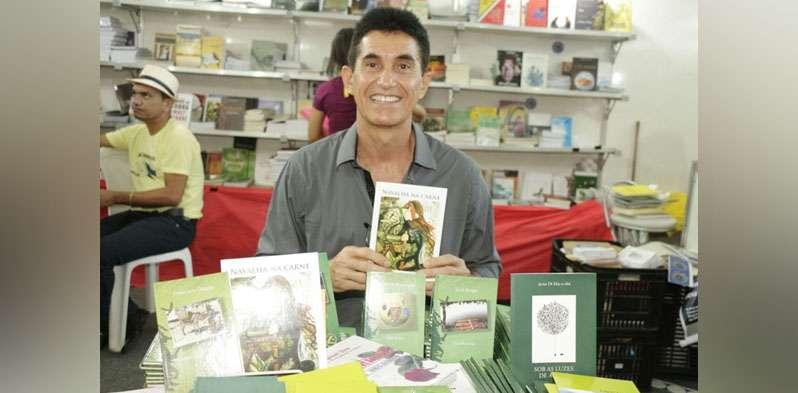 Poeta marabaense lança 5º livro nesta sexta-feira