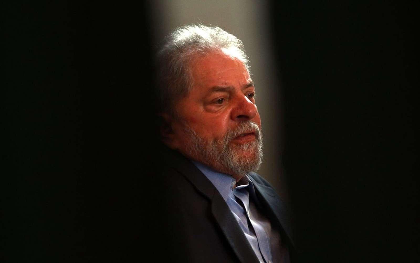 MPF pede que TRF-4 anule condenação de Lula no processo do sítio de Atibaia
