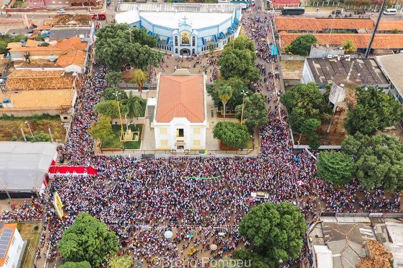 Missa pré-procissão do Círio é realizada com céu nublado em Marabá