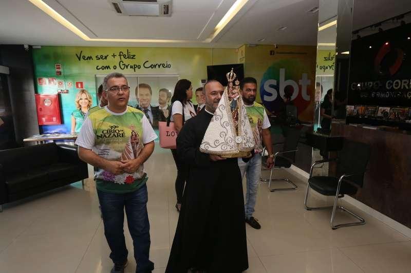 Imagem de Nossa Senhora de Nazaré visita Grupo Correio