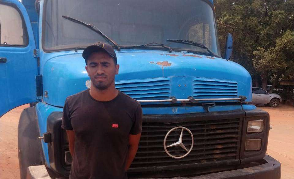 Caminhão furtado é recuperado na BR-230 próximo a Vila 1º de Março